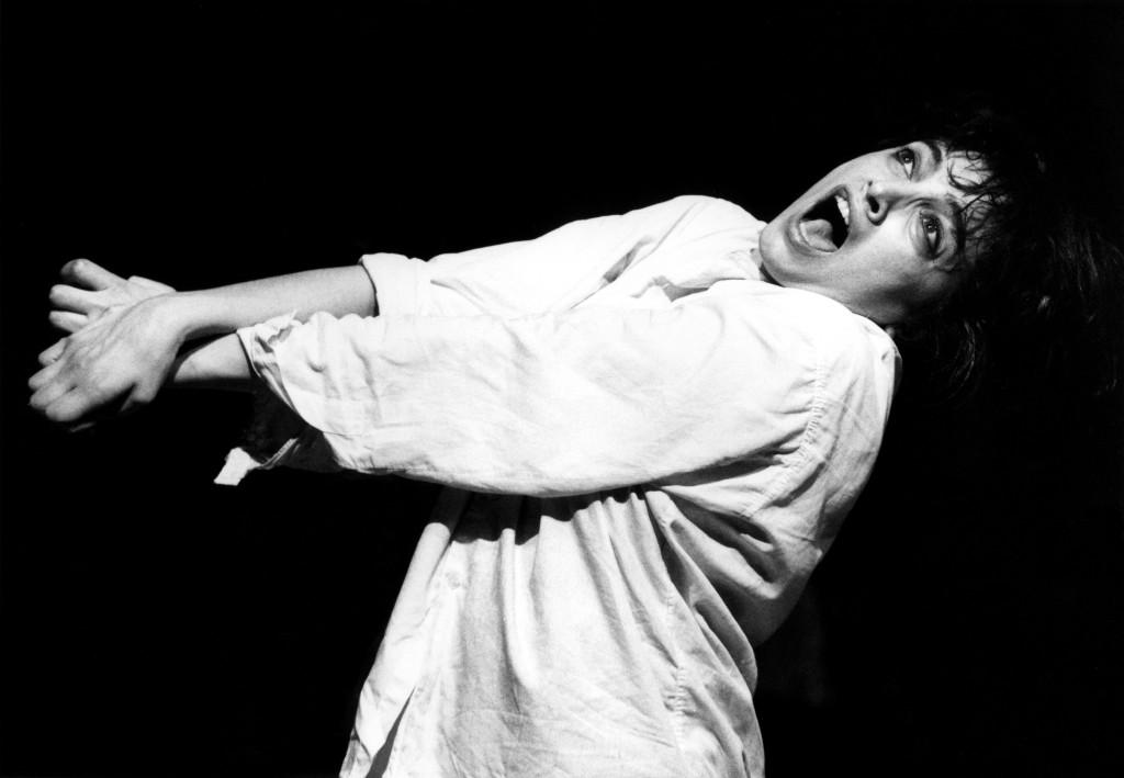 Claudia Contin - Arlecchino in Il comportamento Ridisegnato. Credit: Gianfranco Rota.
